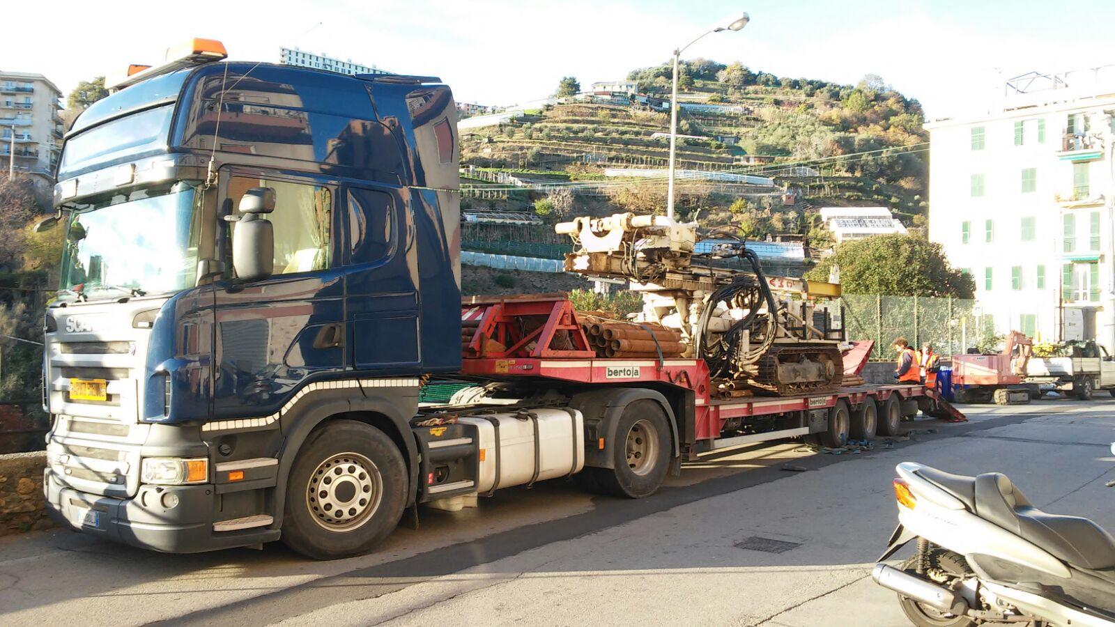 Trasporto-sonda-perforatrice-cingolata_5